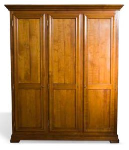 Cupboard in cherry with 3 doors